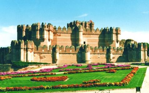 foto del castillo de coca en segovia
