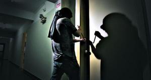 Apertura forzada de puertas de un ladrón